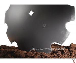 "26""/660mm x 6mm, 41mm square centre, cutaway disc blade suits Parmiter, Besson, Quivogne, Kuhn, Kongskilde, Cousins, etc"